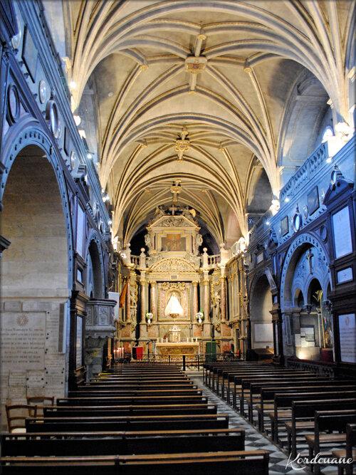 Photo de la Nef centrale (Notre Dame de Verdelais)
