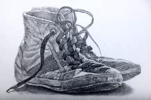 Dessin et peinture - vidéo 1866 : La paire de basket usagée - dessin au crayon.
