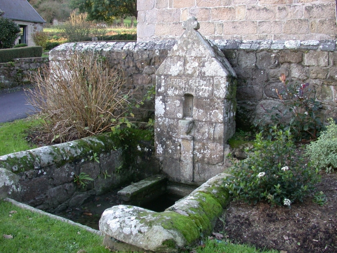 Trébeurden, fontaine Notre-Dame de Citeaux