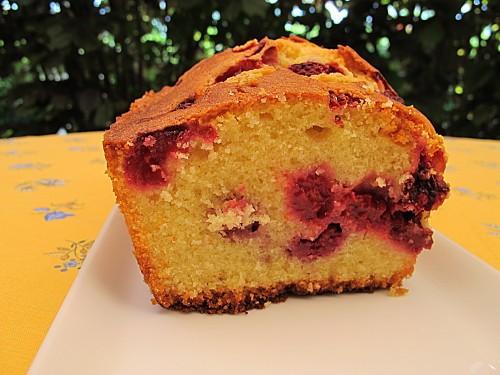 cake-aux-amandes-et-framboises.JPG