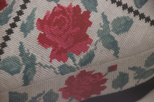 Le musée des arts appliqués de Tashkent : calottes, colliers et manteaux