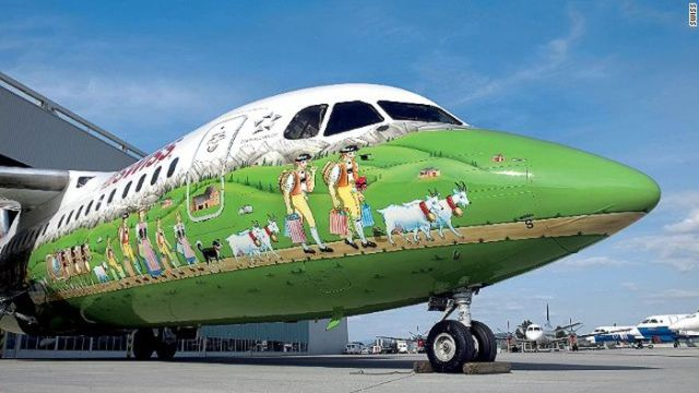 http://www.infolites.fr/wp-content/uploads/2016/05/painted_airplanes_add_a_splash_of_color_to_the_sky_640_07.jpg
