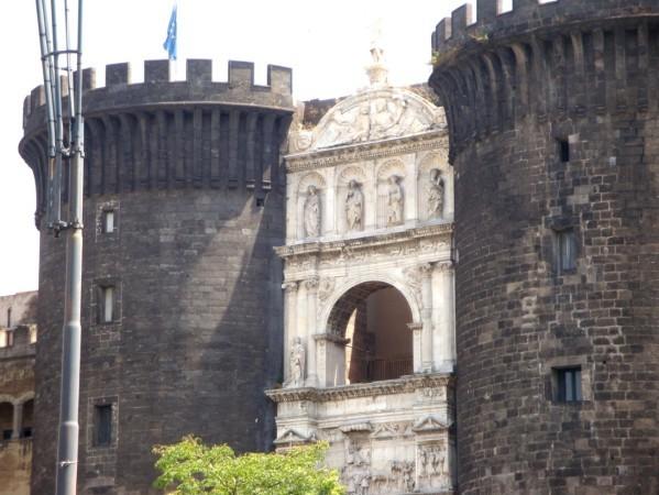 Castel Nuovo (2)