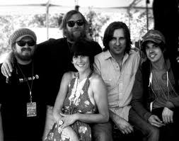 Nicki Bluhm and The Gramblers / Daryl Hall & John Oates