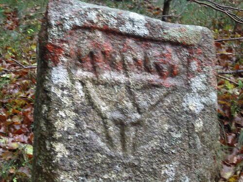 L'étrange pierre de Miamont (Arfons, Tarn).