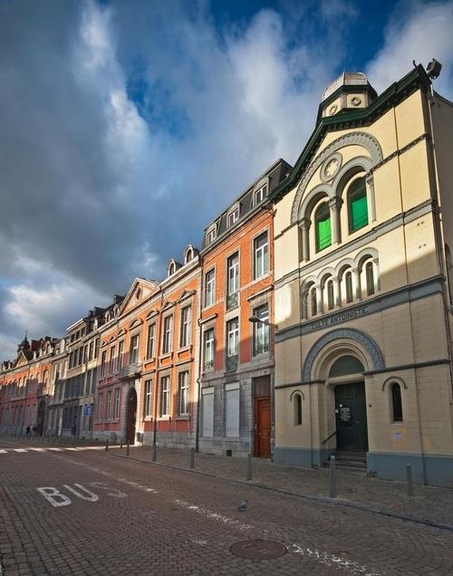 Liège - rue Hors-Château (dreamstime.com)