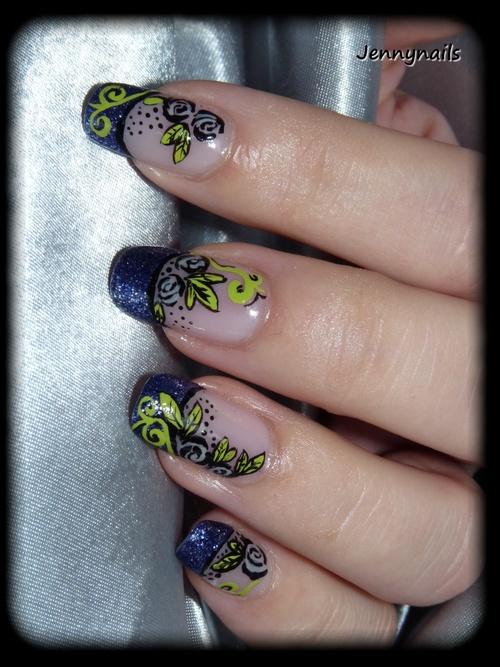 - Nail art - Roses de décembre sur french