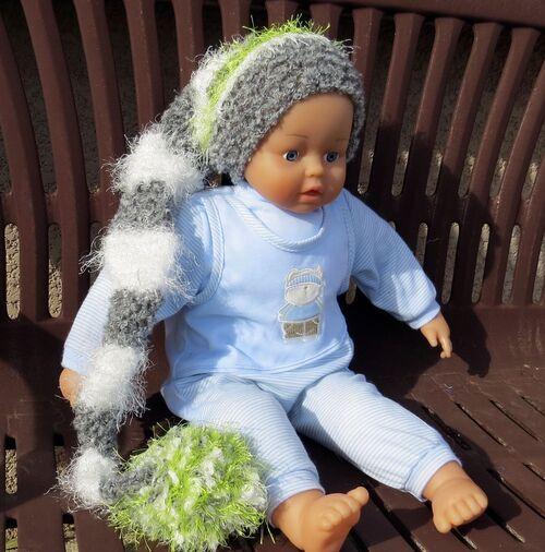 Bonnet de lutin gris blanc pomme en laine à poils