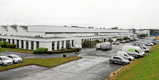 La future usine de production de masques occupera une partie des anciens locaux d'AOIP (Association des ouvriers en instruments de précision), dans la zone industrielle de Grâces.