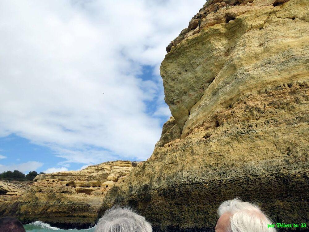 les caves de Bénagil au Portugal