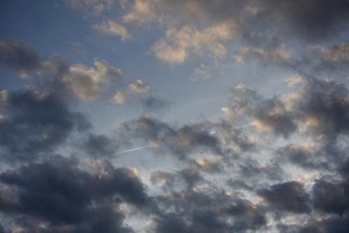 Un avion dans le ciel...