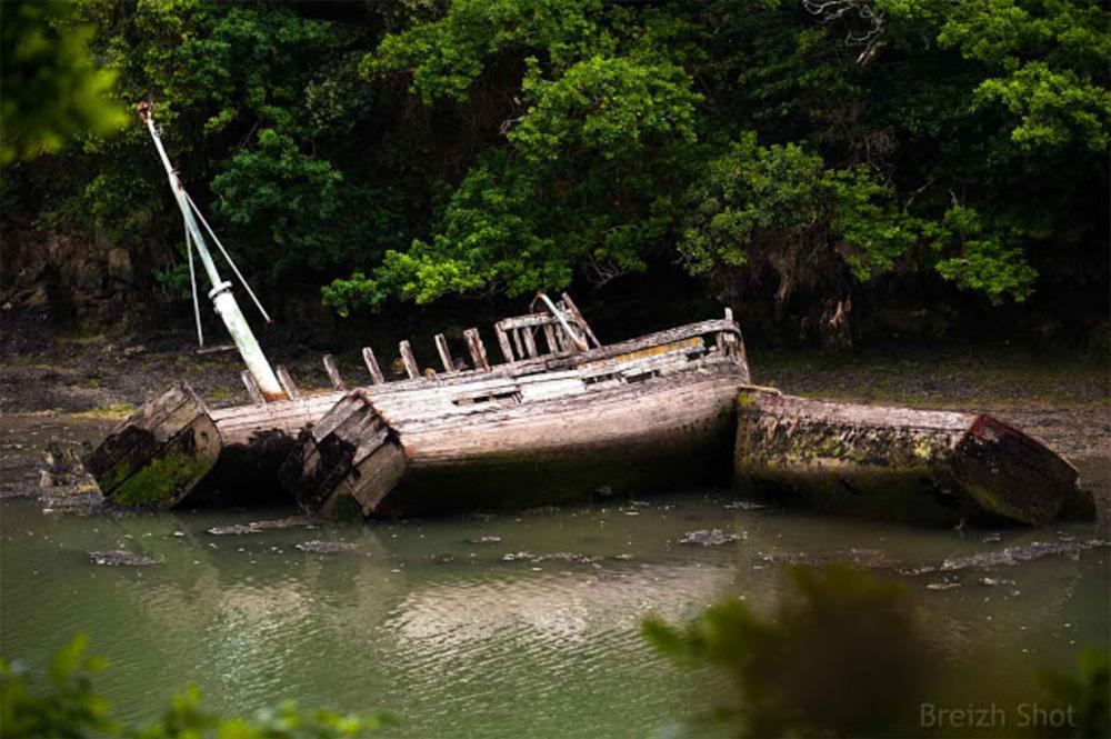 Anse de Combrit - cimetière à bateaux