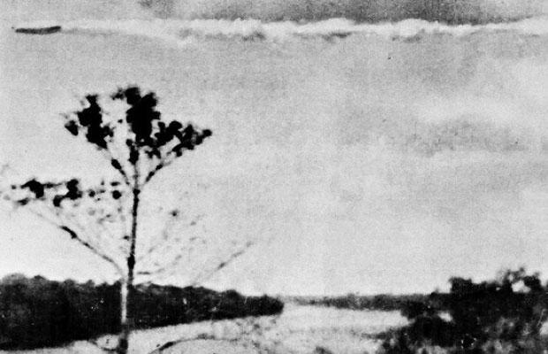On July 19, 1952, customs inspector  Domingo Troncosotook this picture on on the jungle frontier between Peru and Bolivia. The big dirigible-shaped craft was flying horizontally and fairly low in the sky, passing from right to left from the observer's pos
