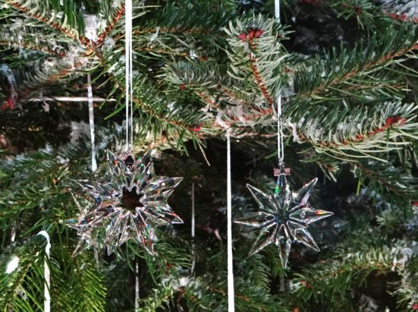 swarovski_tree_zurich_sapin_gare.png