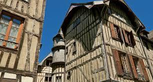 """Résultat de recherche d'images pour """"ville médiévale"""""""