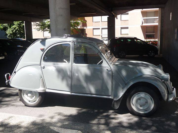 Photos  +  Cartes  Postales  2 cv