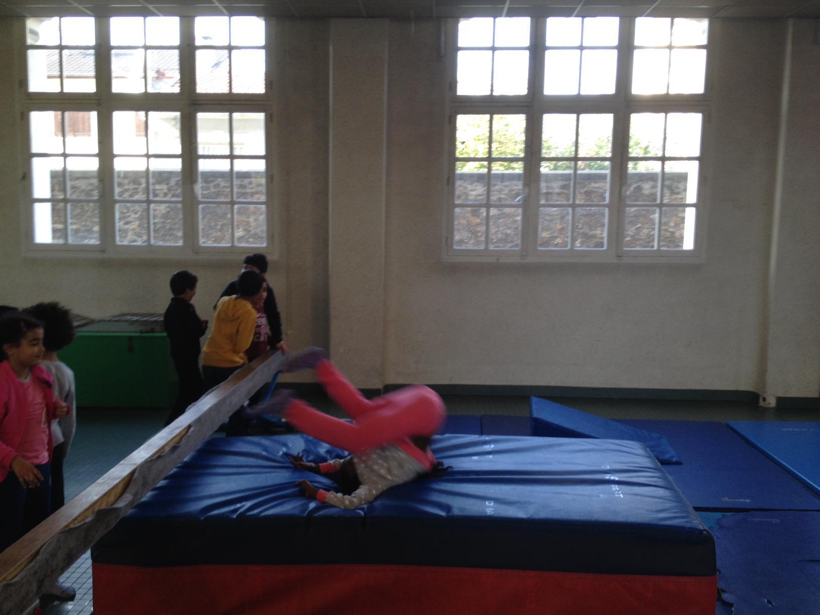 feu color/é MUROAD 10 Pi/èces 4 m/ètres Gym Fitness Rubans de Gymnastique Rythmiques Danse Tige De Streamer Baton Tournoyant Art Rubans pour Enfants