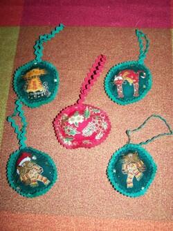De petites pendouilles de Noël