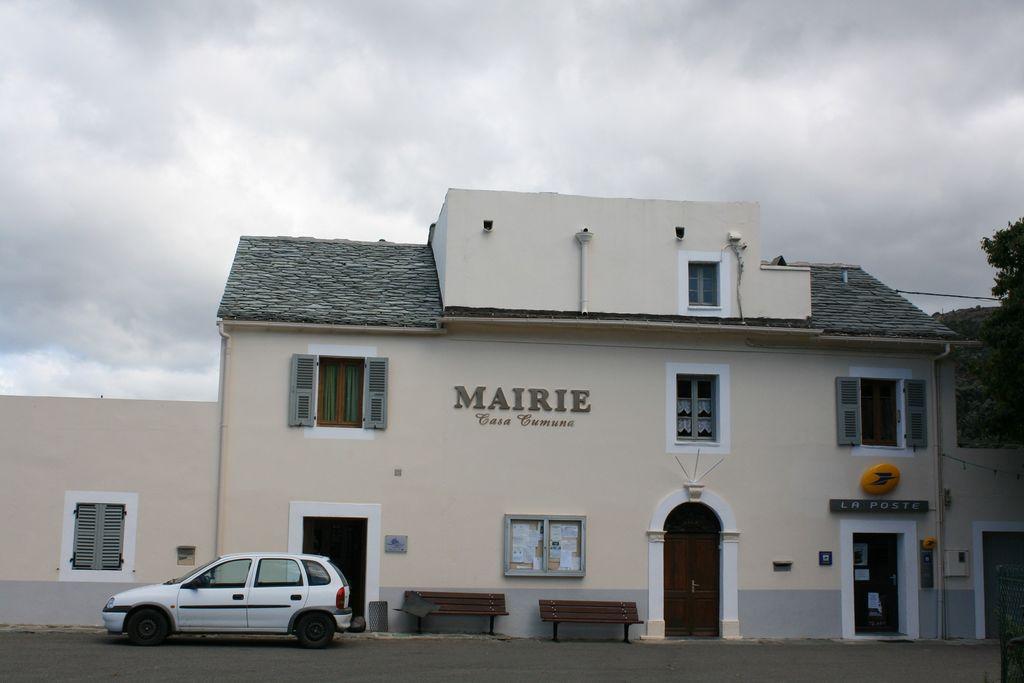 2B058 - Canari-Mairie.jpg