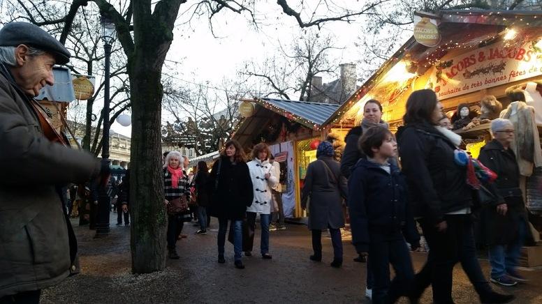 MARSEILLE - Mamiekéké fait un petit saut en arrière ... Noël à Bordeaux .