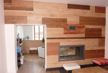 Habillage d'un mur en bois