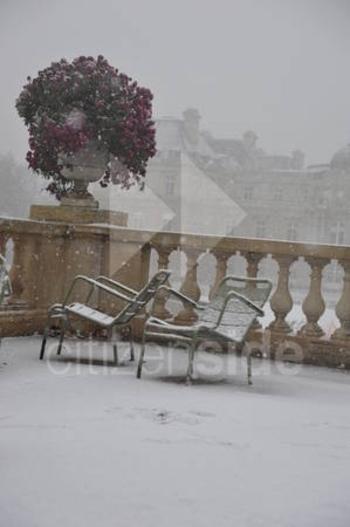 202301-le-jardin-du-luxembourg-sous-la-neige