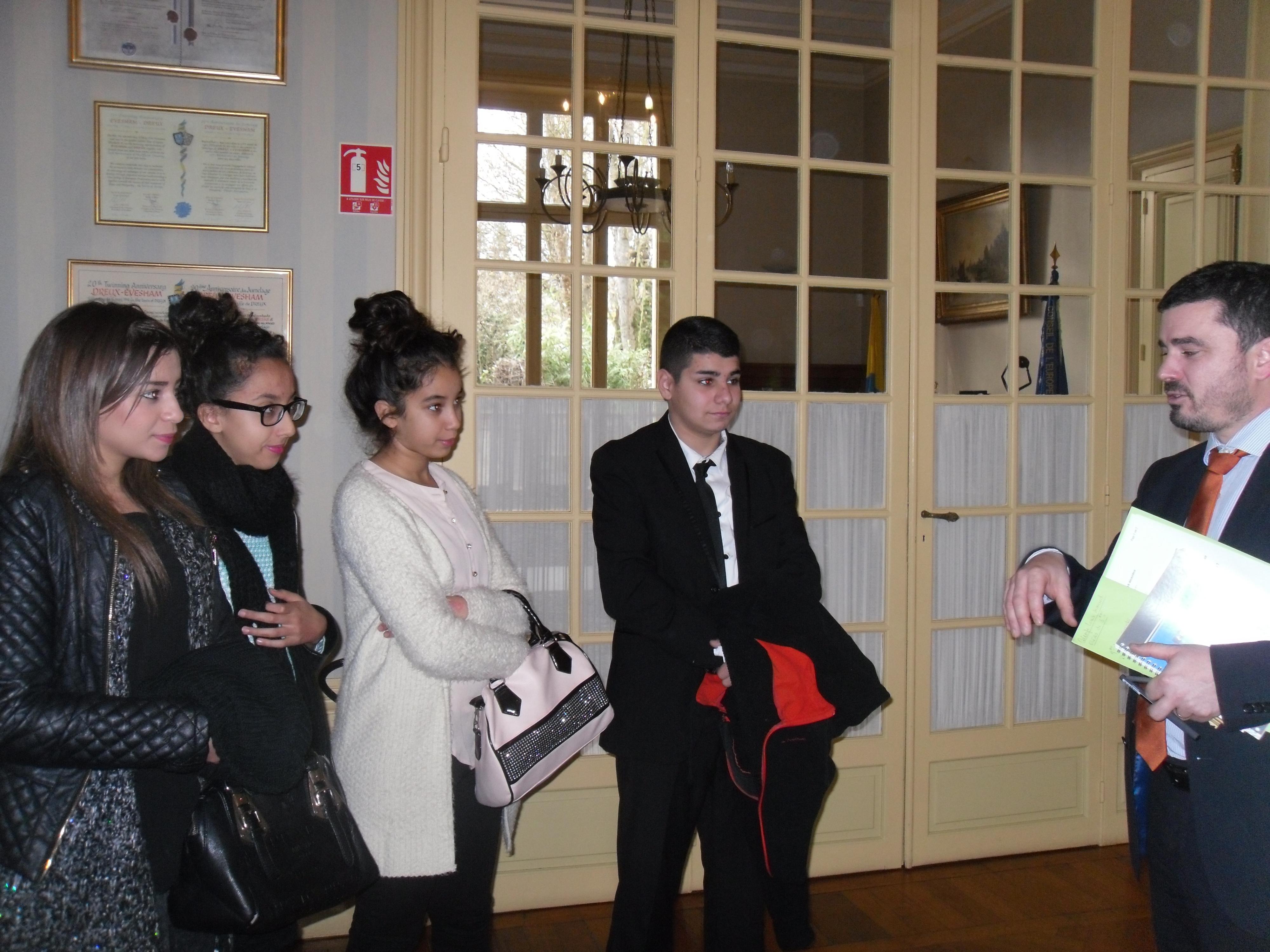 Interview exclusive du maire de dreux le petit rapporteur for Piscine de dreux