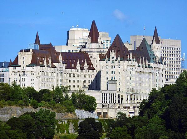 Ottawa Hotel Fairmont vu du musée