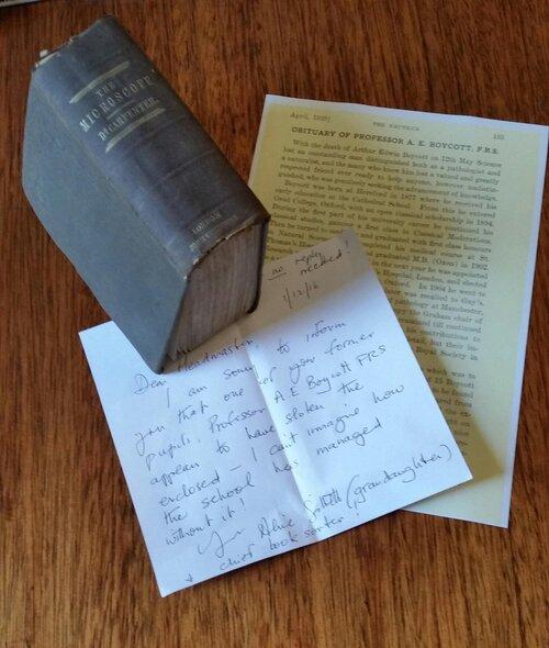 Un livre rendu a la bibliothèque plus de 120 ans après !
