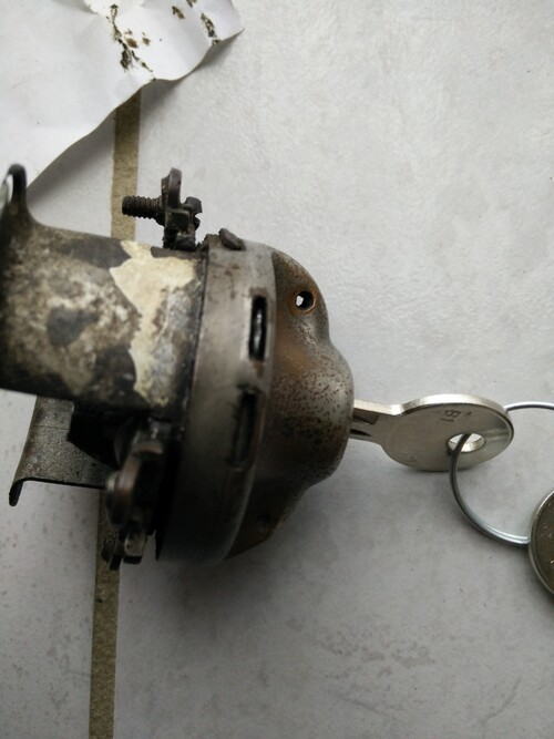 Contacteur(Ignition switch).