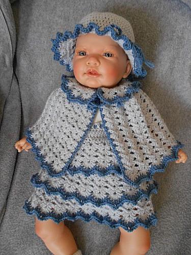 jupe-cape-bonnet-bleus.JPG