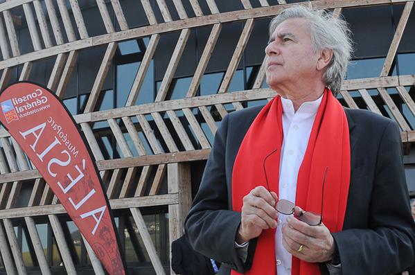 Bernard-Tschumi-architecte-du-MuseoParc-Alesia.jpg