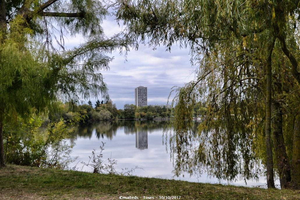 Pomenade du lac de la Bergeonnerie - Tours