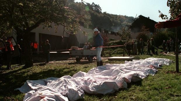 """Résultat de recherche d'images pour """"massacre du temple solaire"""""""