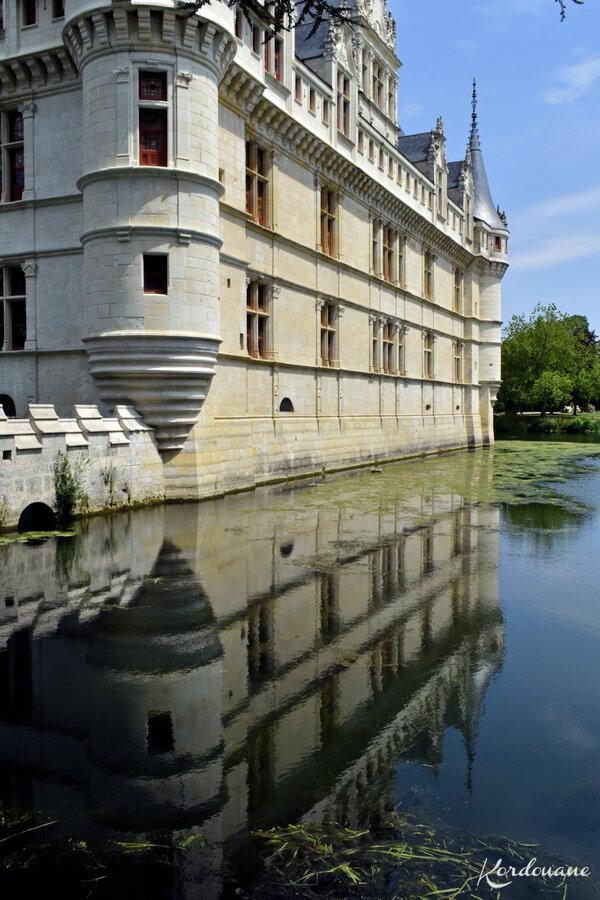 Château d'Azay-le-Rideau - Le miroir d'eau (1)