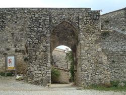 --- Cobonne le 1 octobre 2016 - porte Nord : porte de la Herse dans le rempart ---