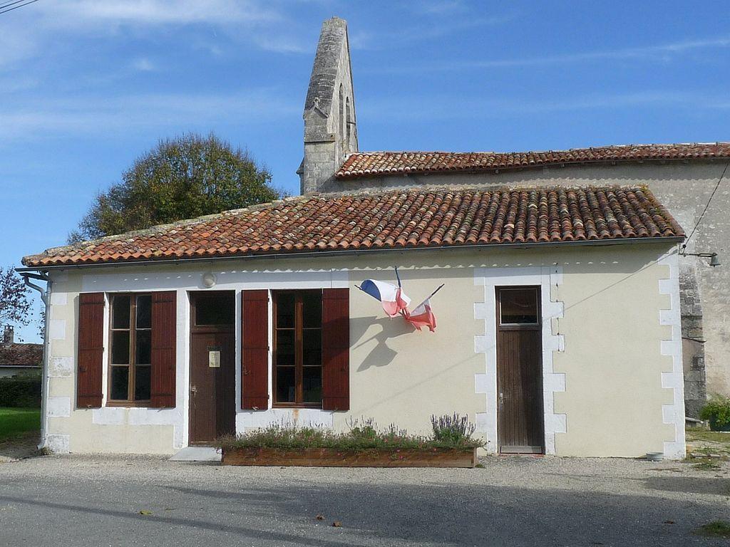 Stmedard17 mairie.JPG