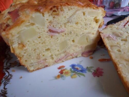 *** Cake au jambon et pommes de terre ***