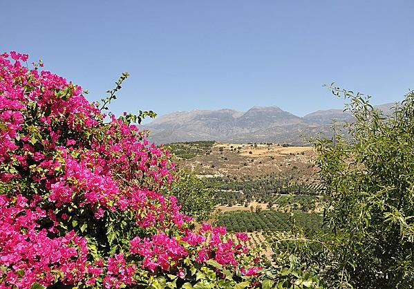 800px-Crete Landscape R02