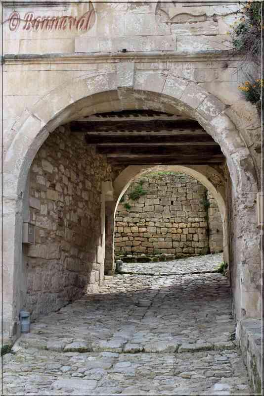 Oppède-le-Vieux Vaucluse le Vieux Beffroi