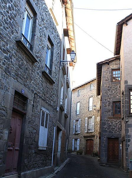 ville haute St Flour -15-