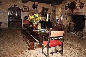la maison forte de reignac -43-