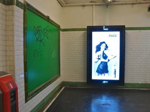 affiche numeriflash Coca-cola métro vide