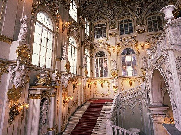 st Pétersbourg Ermitage grd escalier2