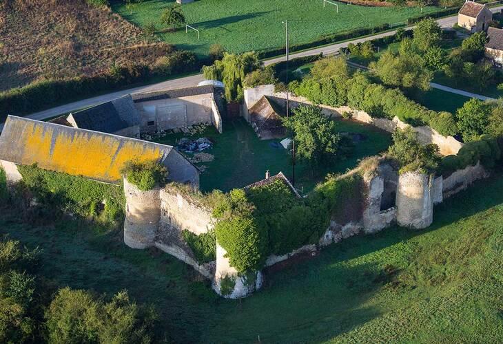 LES REMPARTS DE COURCY (Calvados)