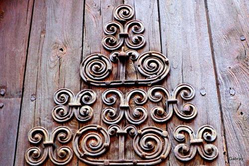 Vinça: la porte de l'église