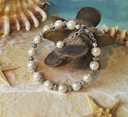 Bracelet Perles Renaissance Verre nacré blanc crème, Plaqué Argent et Acier