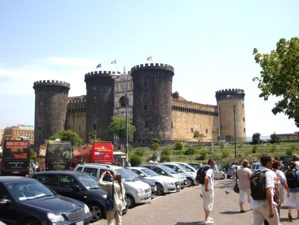 Castel Nuovo (1)