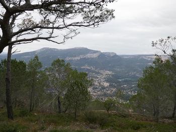 Le Mont Caume, le Revest et son barrage