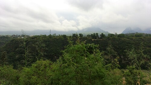 Vue en direction du Ouaki depuis le Sentier la Corde
